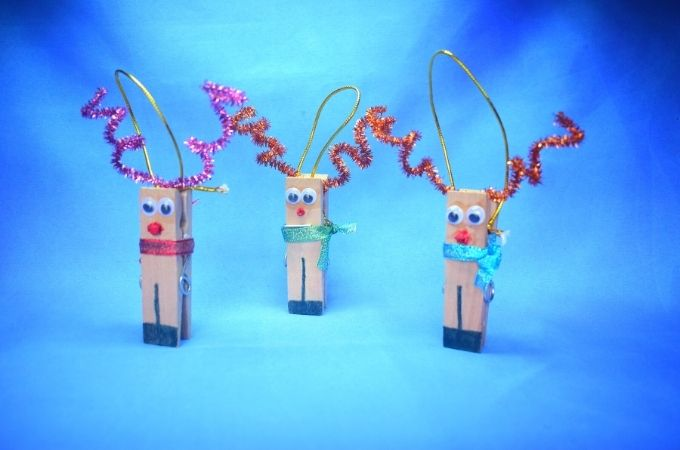 How to Make a Clothespin Reindeer Decoration