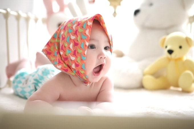 Pumping Vs Breastfeeding-min